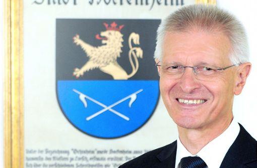 Unbekannter verletzt Oberbürgermeister von Hockenheim schwer