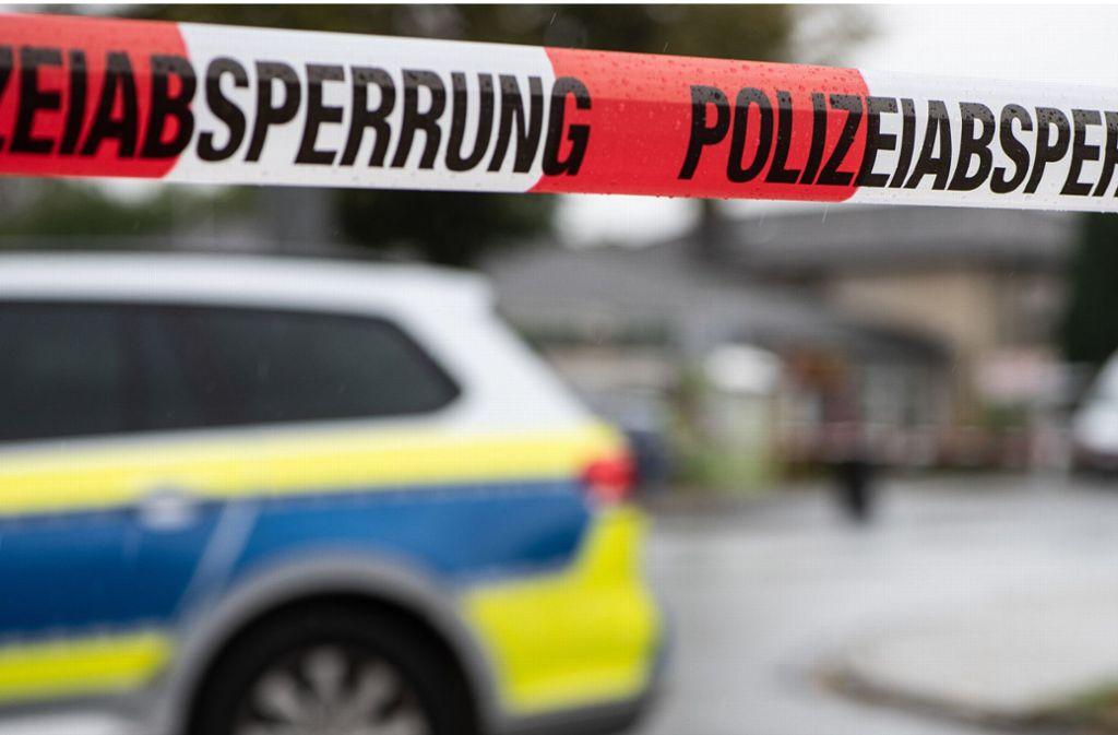 In Westhausen ist eine junge Frau an ihren schweren Verletzungen gestorben (Symbolbild). Foto: dpa/Swen Pförtner