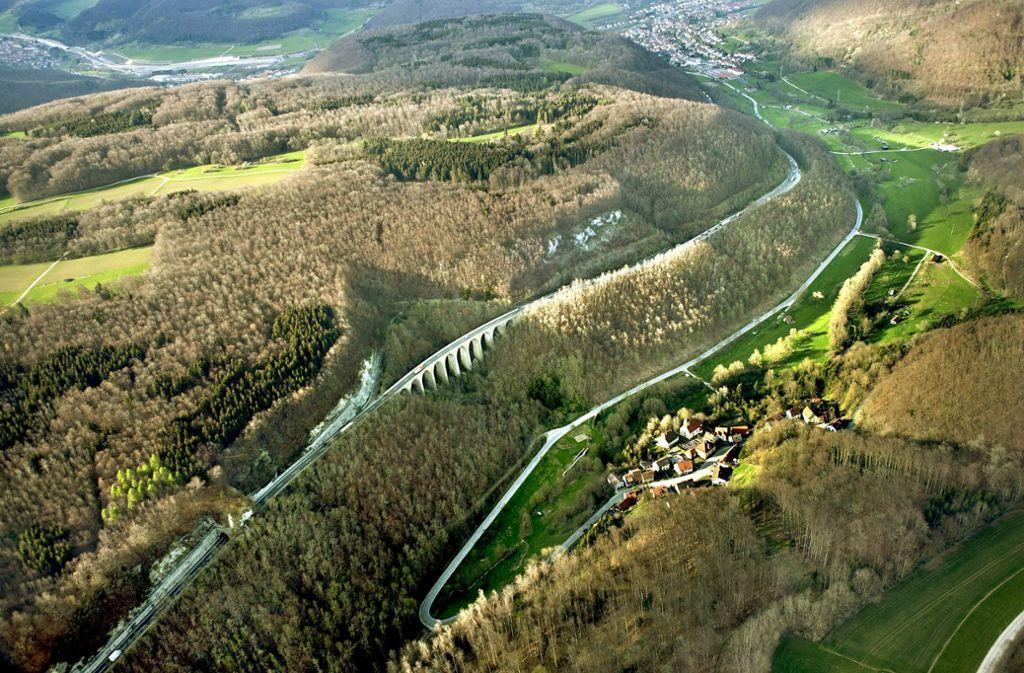 Ein Blick auf den Albabstieg der Autobahn 8- die Strecke stammt aus dem Jahr 1937. Foto: Grohe
