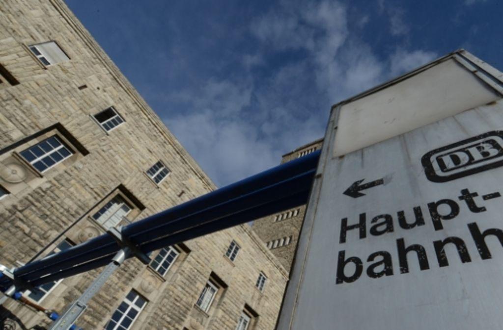 Die Bahn-Aufsichtsräte sollen bei Stuttgart 21 Regressansprüche gegen den Vorstand prüfen. Foto: dpa