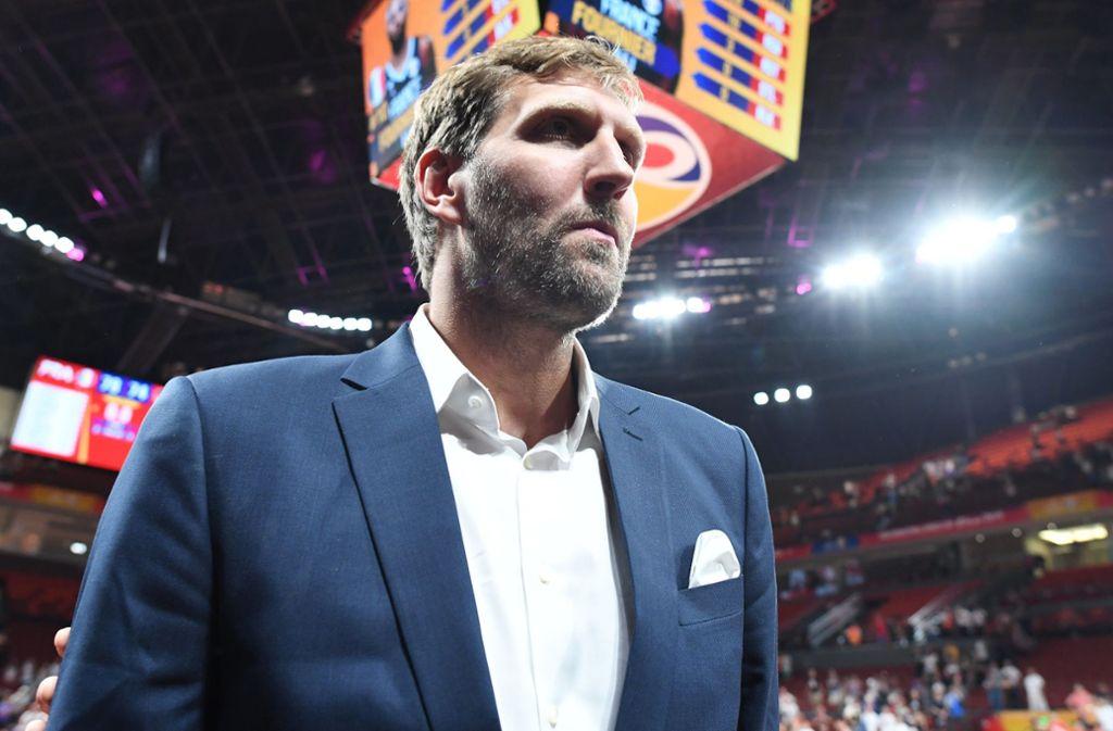 Auch nach seiner Profikarriere will Dirk Nowitzki dem Basketball verbunden bleiben. Doch zunächst will er sich eine Auszeit nehmen. Foto: dpa
