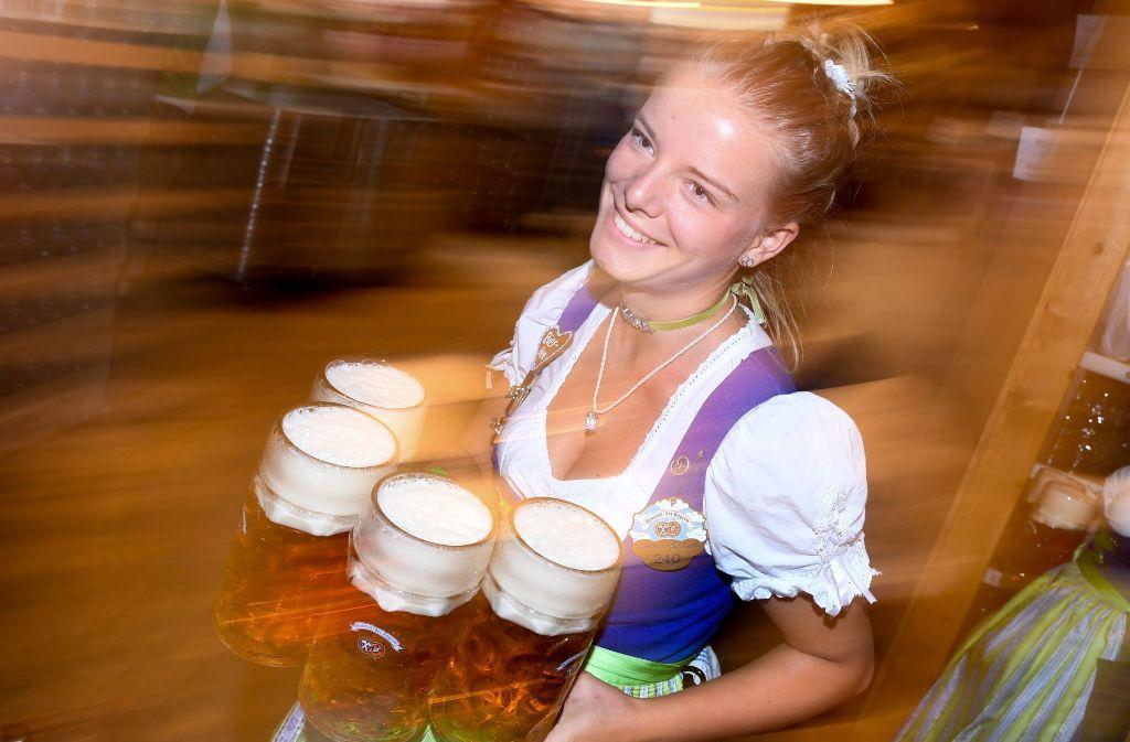 Das Oktoberfest in München erfreut sich steigender Besucherzahlen. Foto: dpa