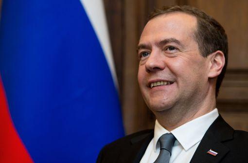 Medwedew als Ministerpräsident bestätigt