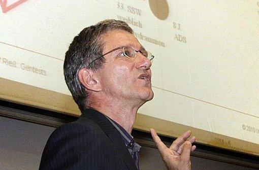 Olaf Rieß erklärt, wann Gentests sinnvoll sein können. Foto: FACTUM-WEISE