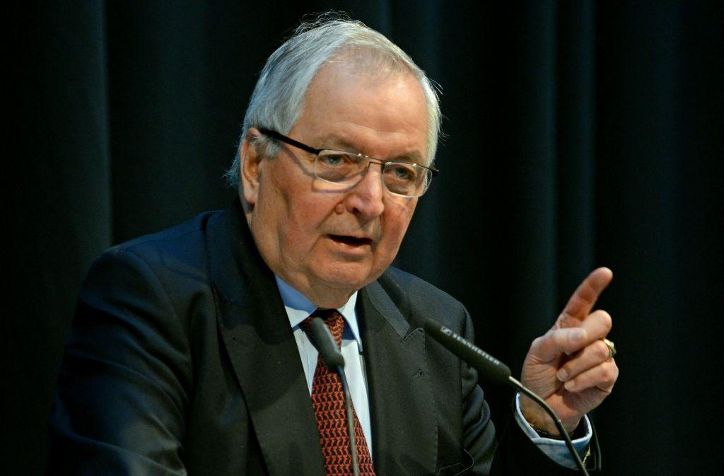 Klaus Töpfer ist der bekannteste Umweltexperte, der nun die heikle Suche nach einem Atommüll-Endlager kritisch begleiten soll. Foto: dpa