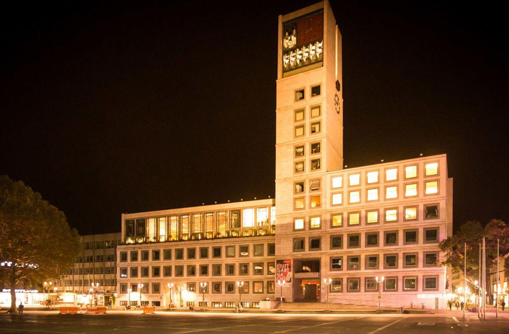 Das Stuttgarter Rathaus ist am Freitagabend Einsatzort der Feuerwehr gewesen. Foto: Lichtgut/Achim Zweygarth