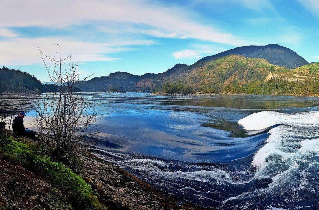 Die Gezeitenstromschnelle Skookumchuck ist die beliebteste Attraktion an der kanadischen Sunshine Coast und zieht Wildwasser-Kanuten aus aller Welt an. Foto: Neubauer Foto: