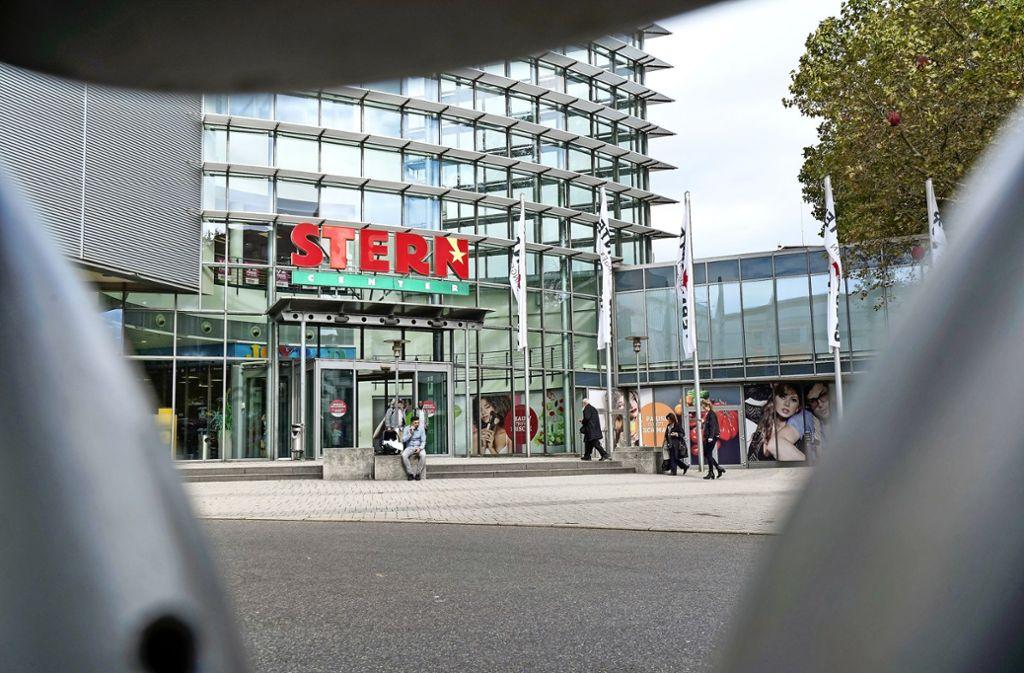 Mehr als 60 Geschäfte haben eigentlich Platz im Stern-Center. Doch das Gebäude ist offenbar nicht mehr richtig attraktiv für Anbieter und Kunden. Foto: factum/Jürgen Bach