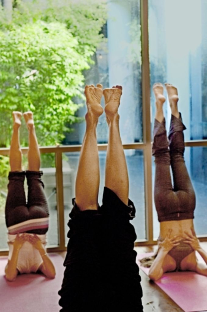 Füße hoch! Yoga gilt als idealer Weg zur    Ausgeglichenheit. Foto: Mauritius