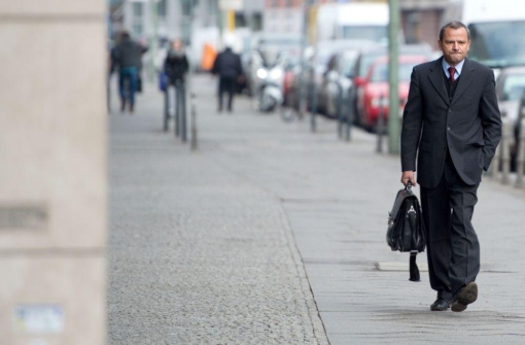 Sebastian Edathy auf dem Weg zur mündlichen Verhandlung der Bundesschiedskommission über seinen Parteiausschluss. Foto: dpa