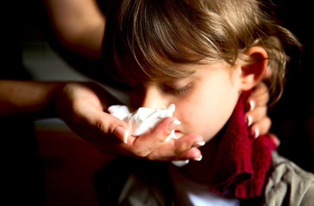 Kind Auf Nase Gefallen Nasenbluten