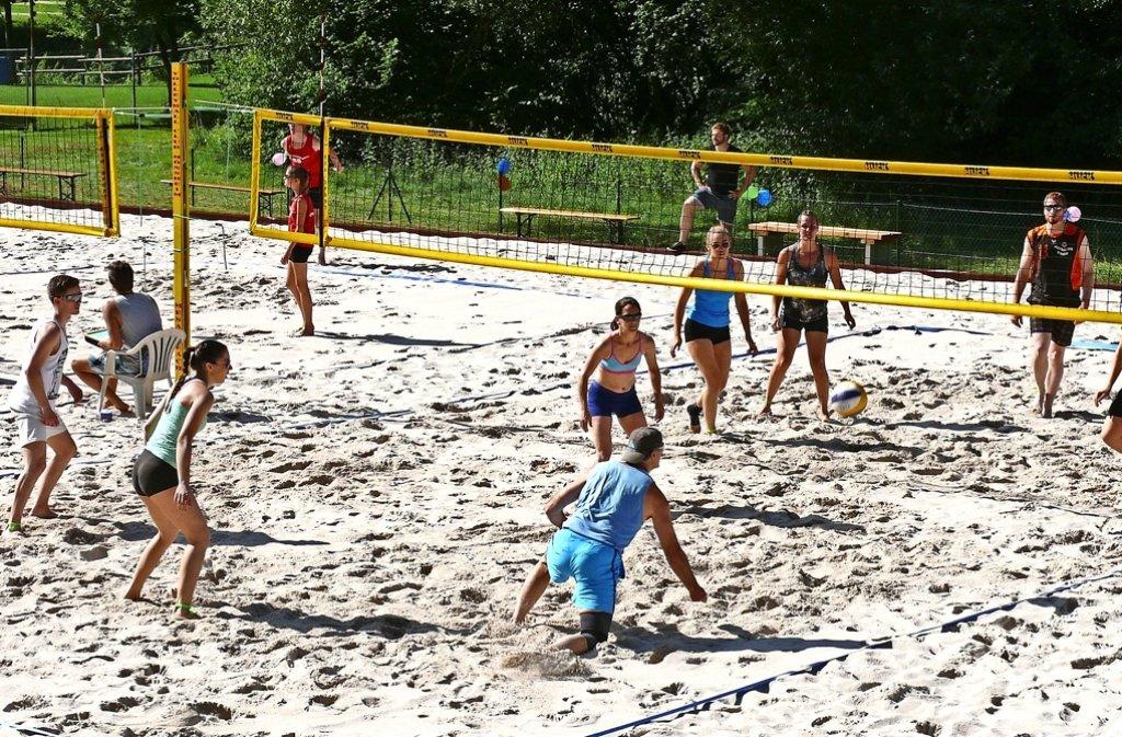 Der Aufwand hat sich gelohnt: Zahlreiche Spiele haben der VC Mönsheim  und Gäste bereits auf der neuen Beachvolleyball-Anlage absolviert. Foto: privat