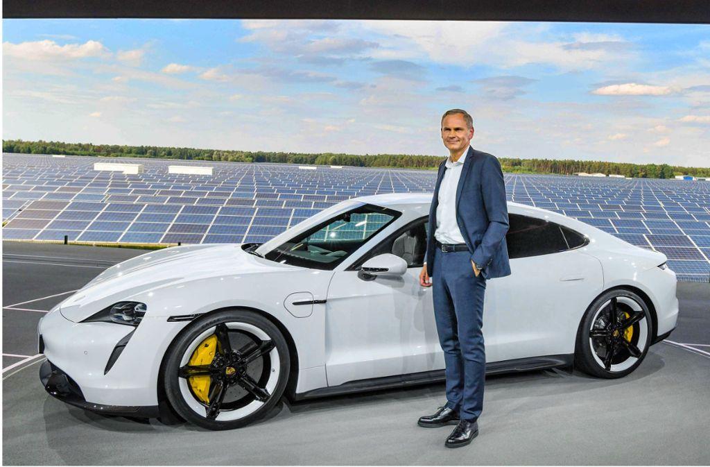 Oliver Blume fordert eine klare Agenda zum Ausbau der Elektromobilität. Foto: AFP/PATRICK PLEUL