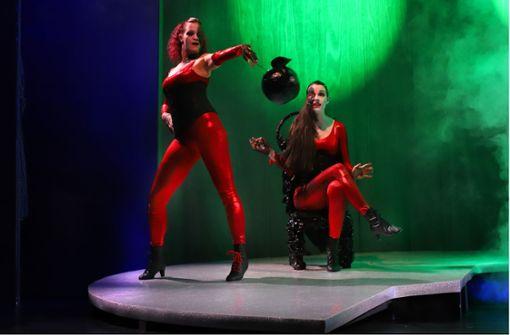 Frauenthemen und Klischees im Theater der Altstadt