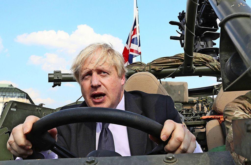 Boris Johnson will  bei den britischen Konservativen auf den Fahrersitz Foto: AP