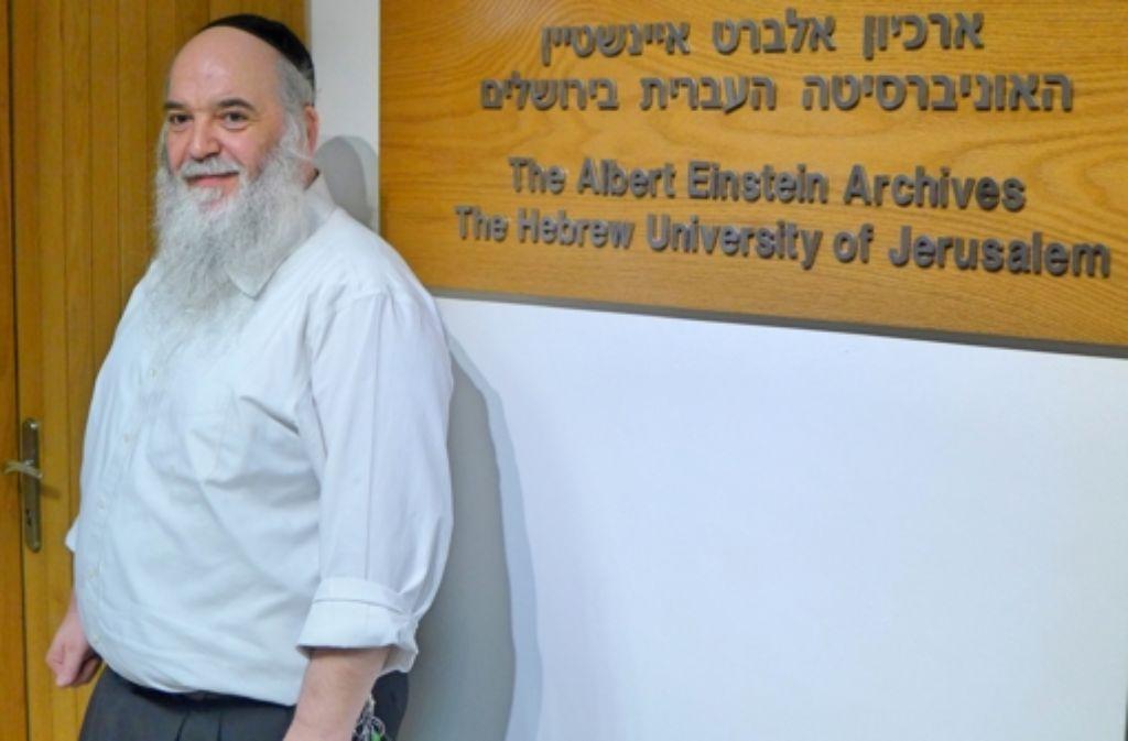 Der Österreicher Roni Grosz, ein orthodoxer Jude, leitet seit elf Jahren das Einstein-Archiv in Jerusalem – ein wichtiger Teil der dortigen Hebräischen Universität, wie die nächsten Bilder zeigen. Foto: Alexander Mäder