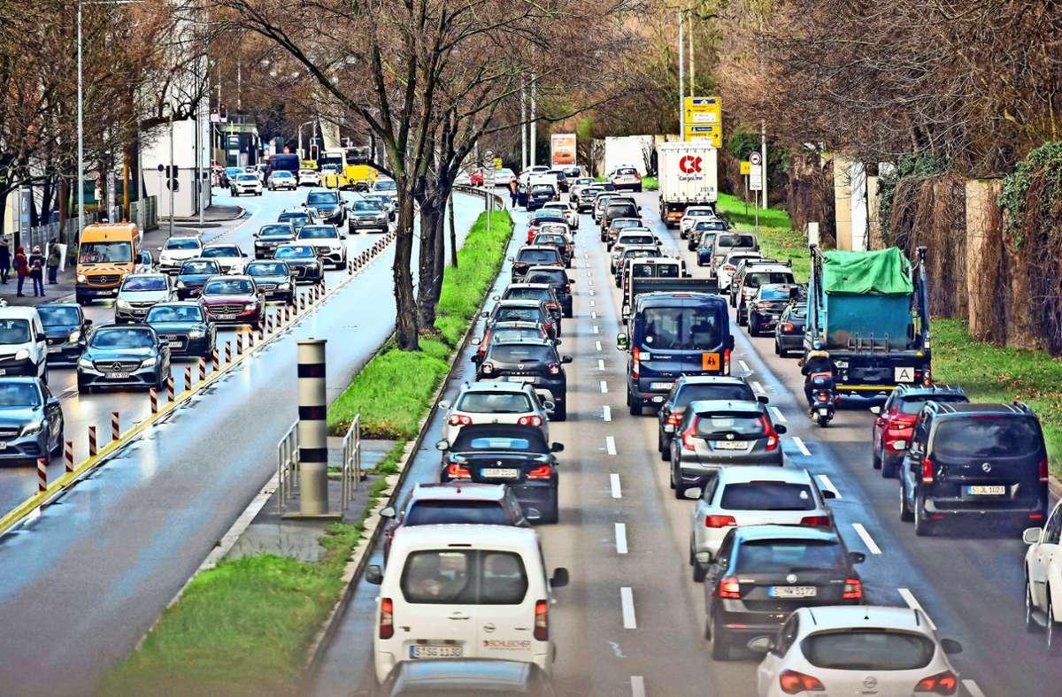 Die Cannstatter Straße: Mittendrin im Sperrgebiet für Euro-5-Diesel. Foto: Lichtgut/Max Kovalenko