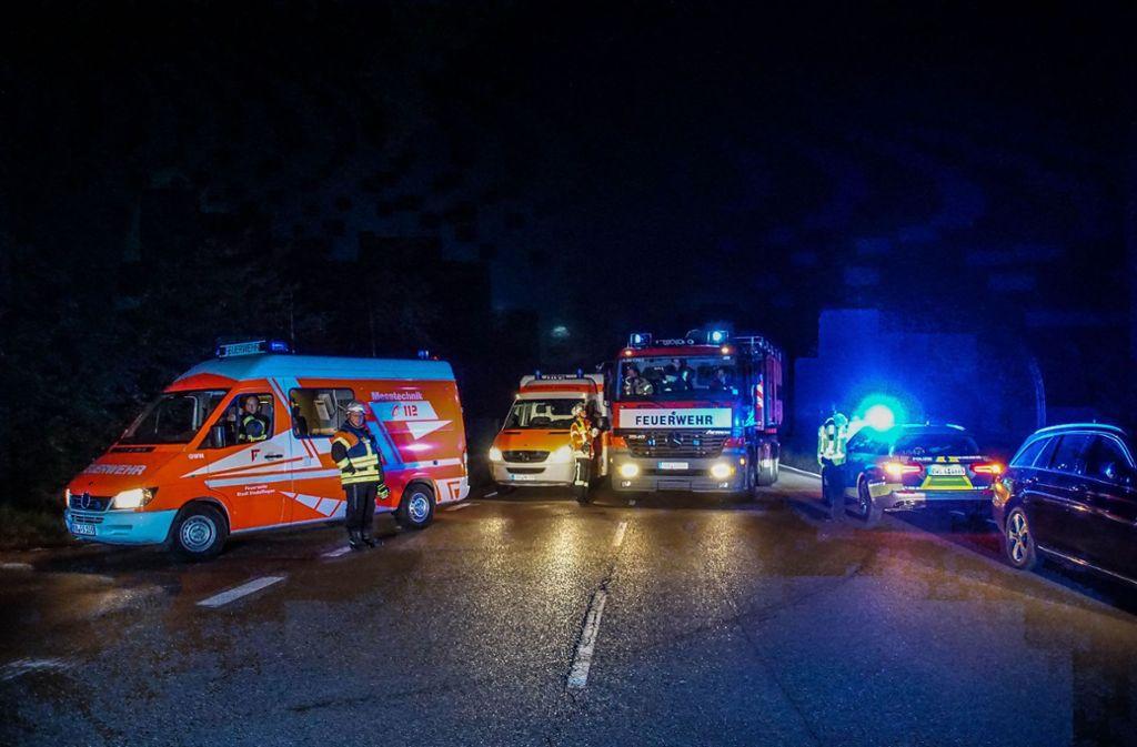 Zum Brand rückten etliche Helfer aus. Foto: SDMG/Dettenmeyer