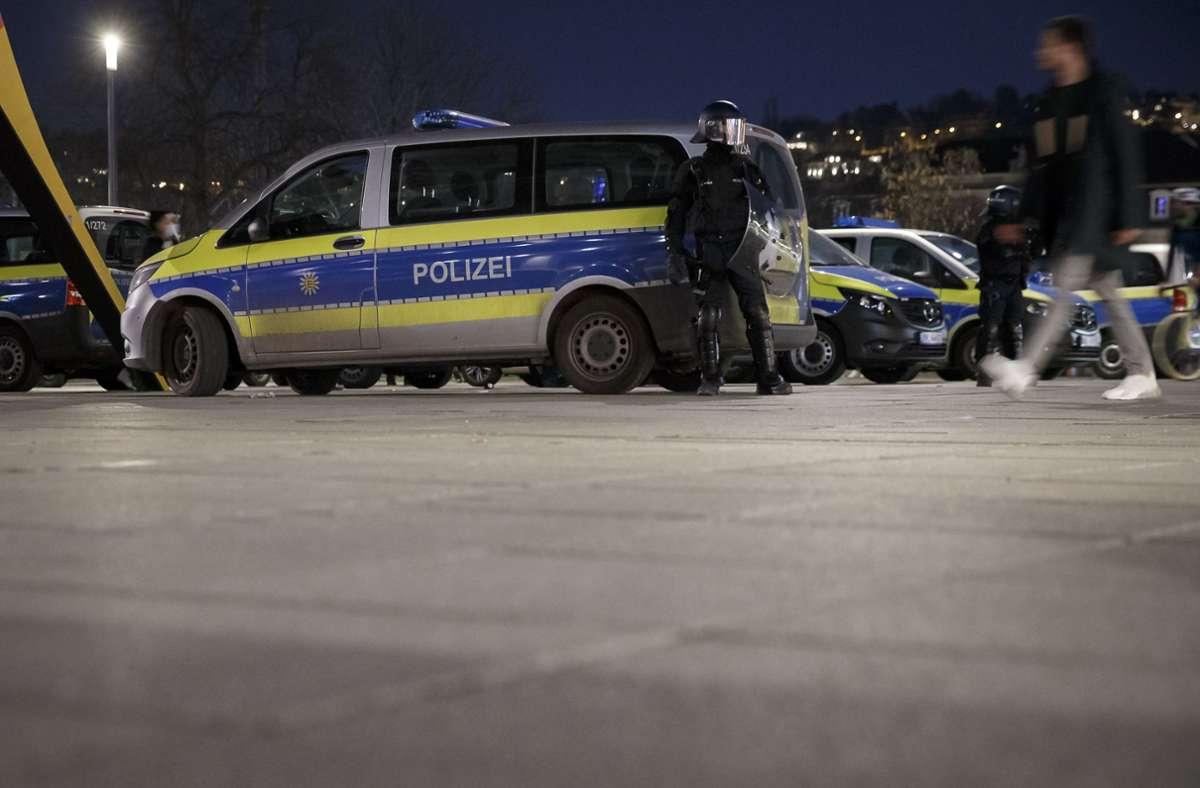 Polizeieinsatz am Samstagabend auf dem Stuttgarter Schlossplatz Foto: Lichtgut/Julian Rettig