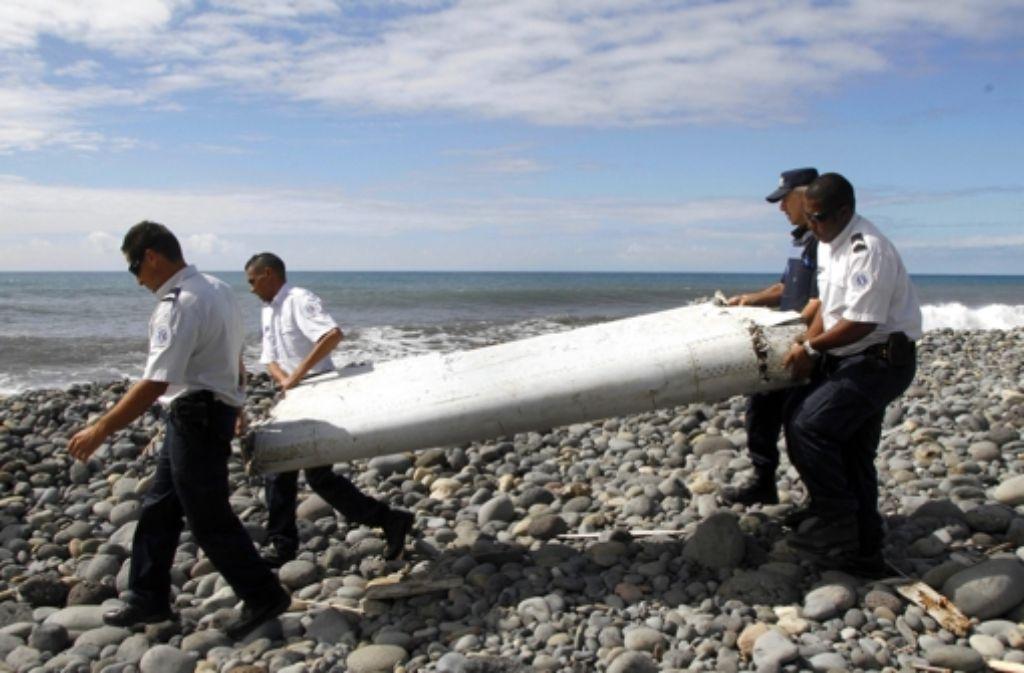 Am Strand von La Réunion wurde am 8. März die Flügelklappe gefunden. Foto: dpa