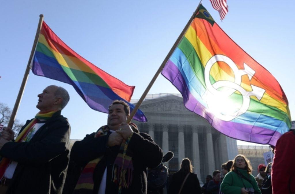 Die Homo-Ehe kommt nicht bei allen Politikern gut an.  Foto: dpa