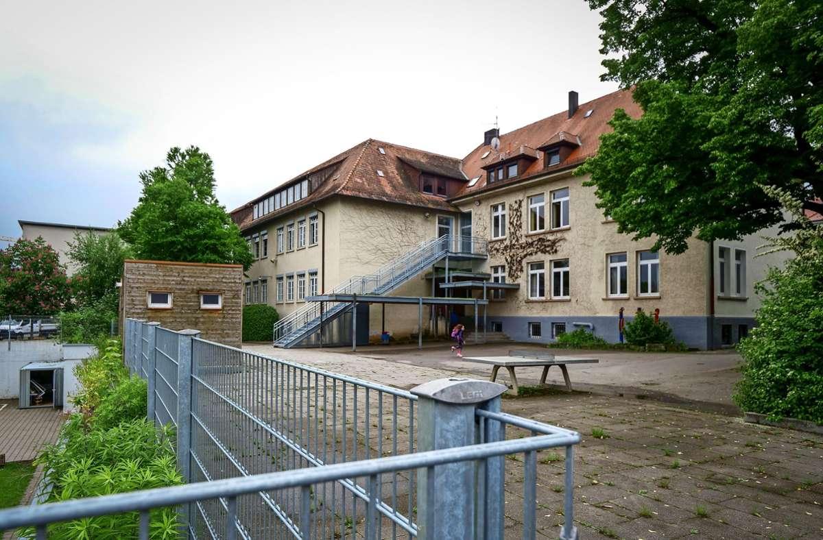 Die Wilhelmschule liegt wenige Meter von der Haupteinkaufsstraße und den Freizeiteinrichtungen entfernt. Foto: Simon Granville