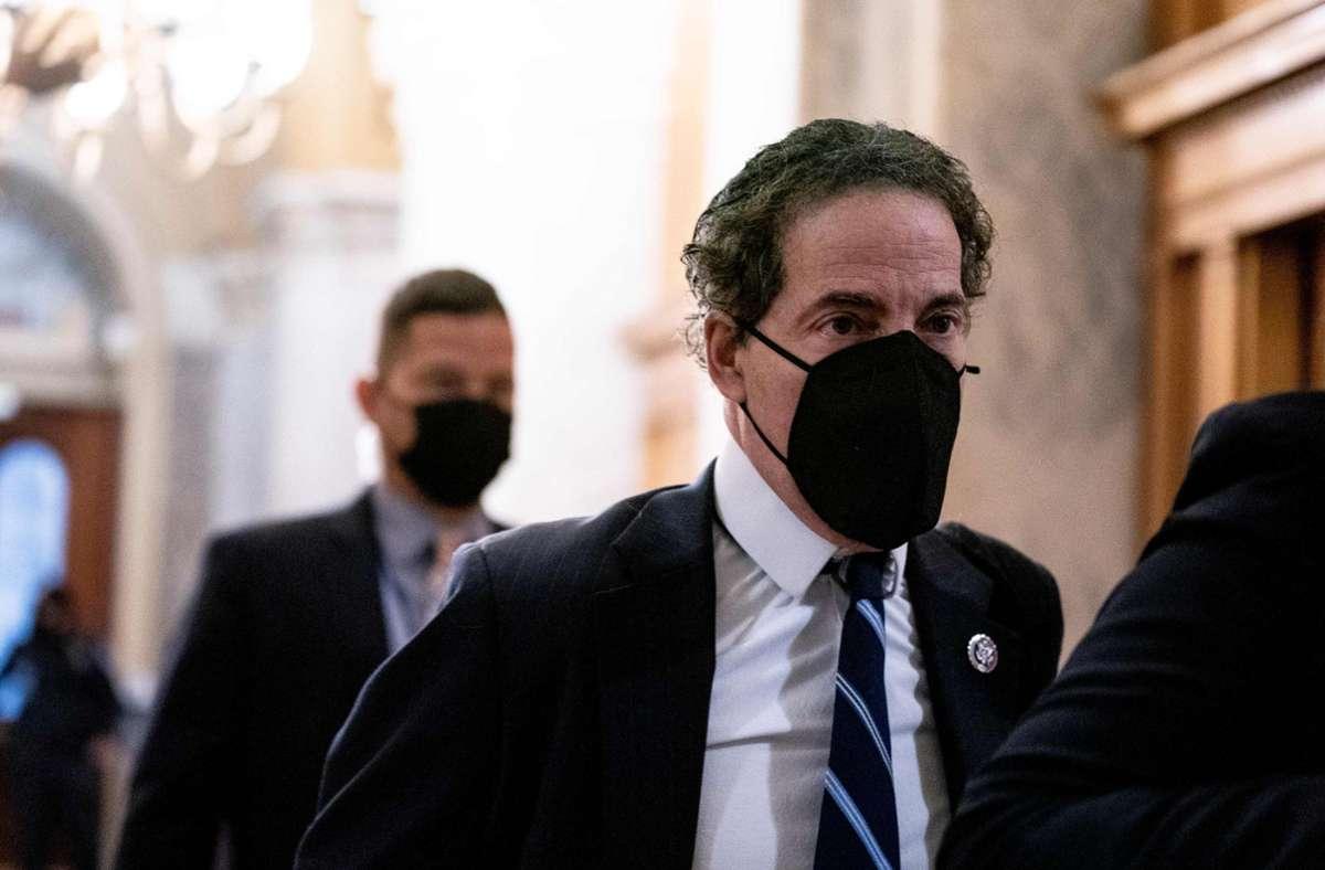 er demokratische Chefankläger Jamie Raskin forderte, die republikanische Abgeordnete Jaime Herrera Beutler eine Stunde lang per Videoschalte anzuhören. Foto: AFP/STEFANI REYNOLDS