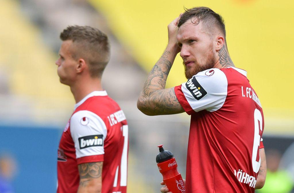 Jan Löhmannsröben (rechts) vom 1. FC Kaiserslautern sorgte mit einem Interview für Aufsehen. Foto: dpa
