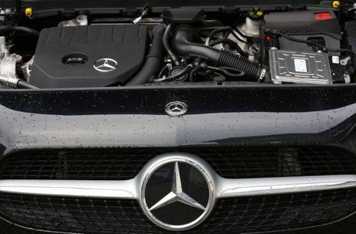 Umweltschützer reichen Klage gegen Daimler und BMW ein