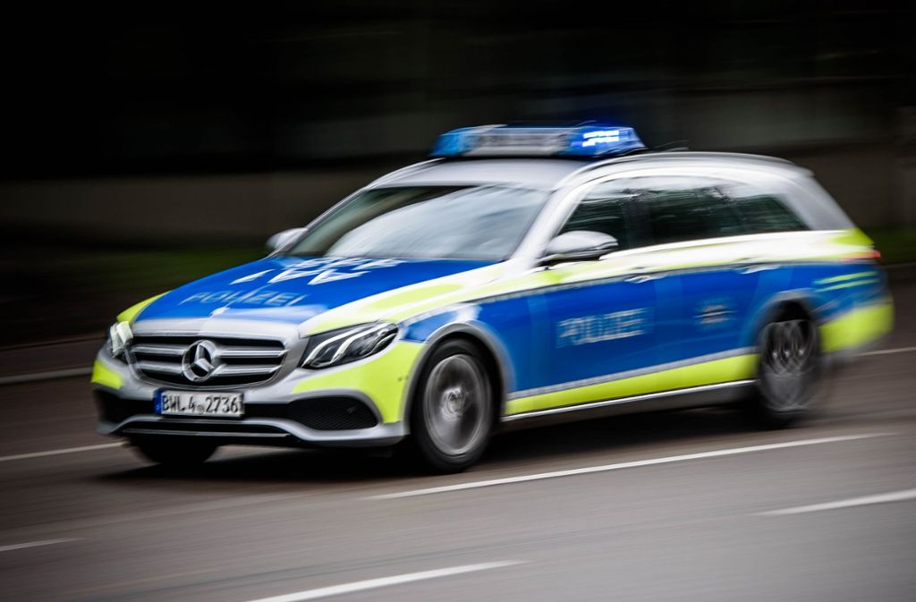 Die Polizei ermittelt nach einer Prügelei in einem Bus in Erbstetten. Foto: Phillip Weingand / STZN