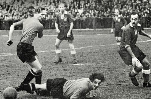Fußballfarbenlehre 1942:  Blau vor Rot