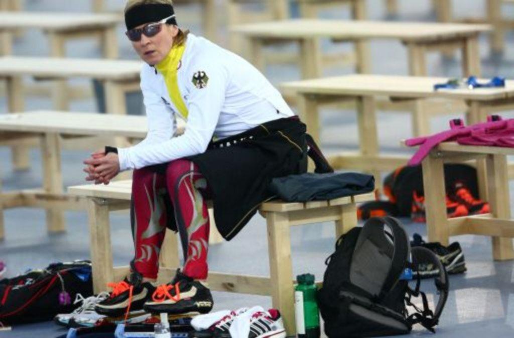 Claudia Pechstein zeigt sich nach dem Rennen über 5000 Meter enttäuscht. Foto: dpa