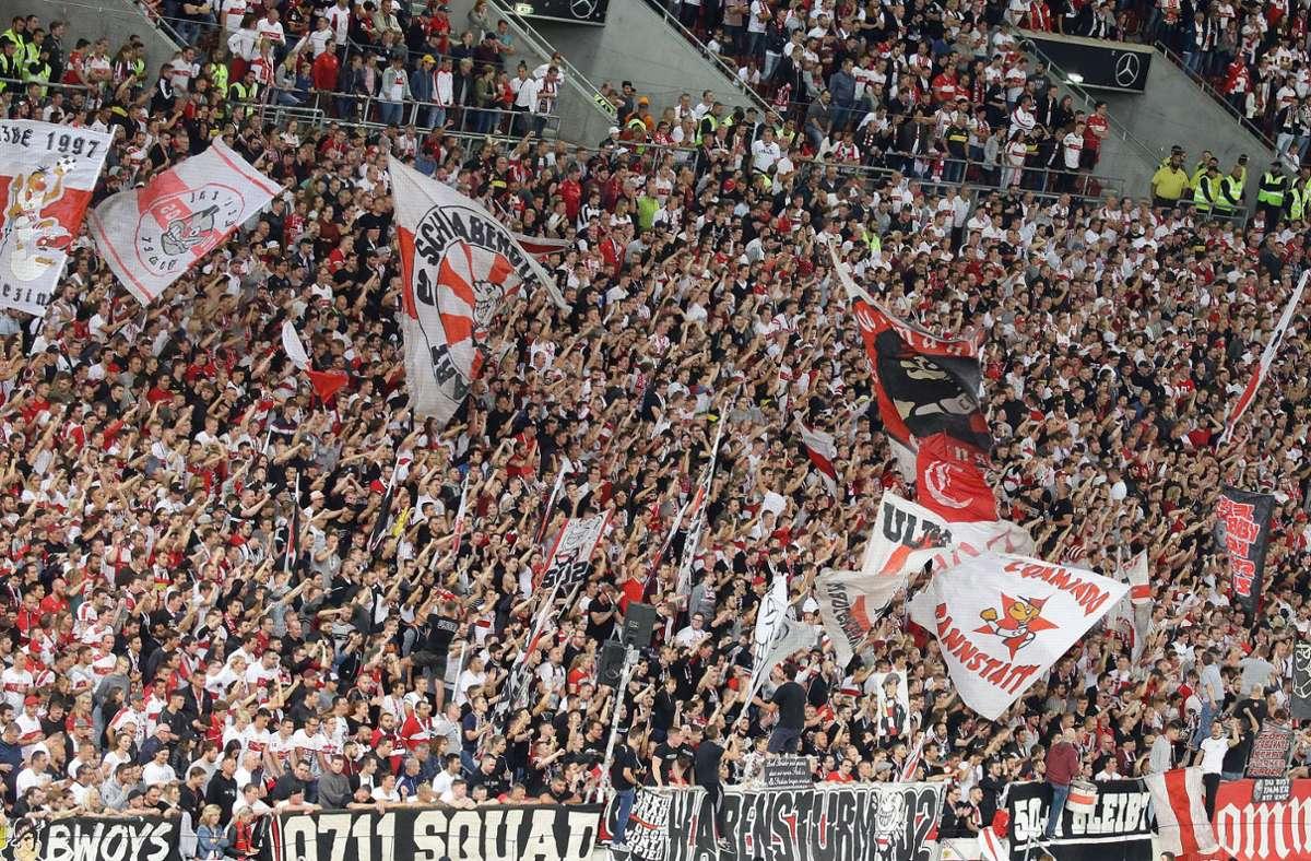 Die Cannstatter Kurve ist normalerweise bei jedem Heimspiel des VfB Stuttgart ausverkauft. Foto: Pressefoto Baumann/Hansjürgen Britsch