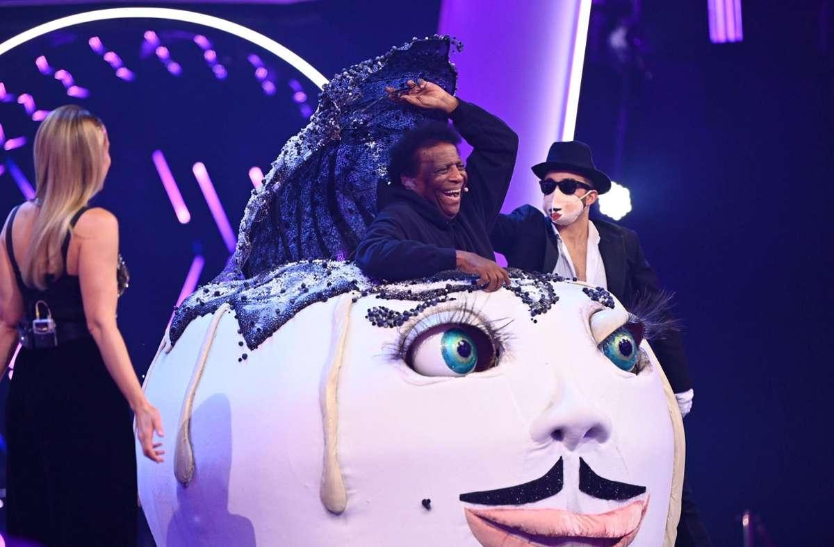 """Bei """"The Masked Singer"""" in Österreich entstieg Roberto Blanco kürzlich dem Germknödel-Kostüm. Foto: dpa/Willi Weber"""