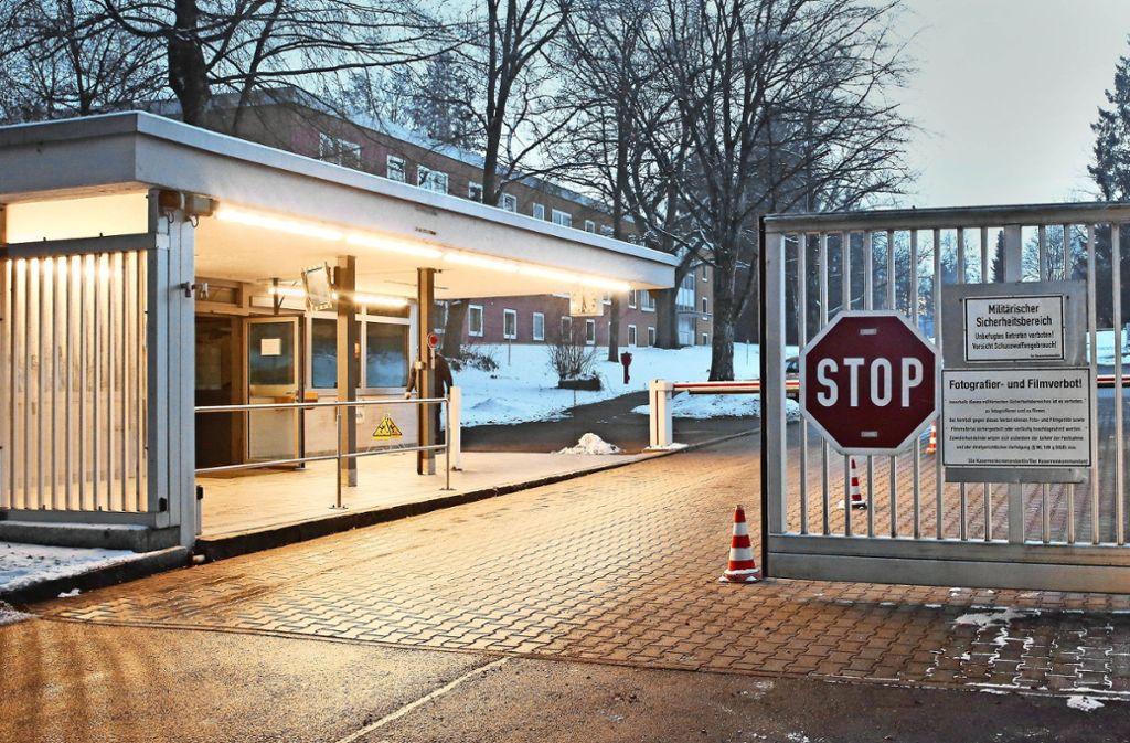 Eingang zur Staufer-Kaserne in Pfullendorf Foto: dpa