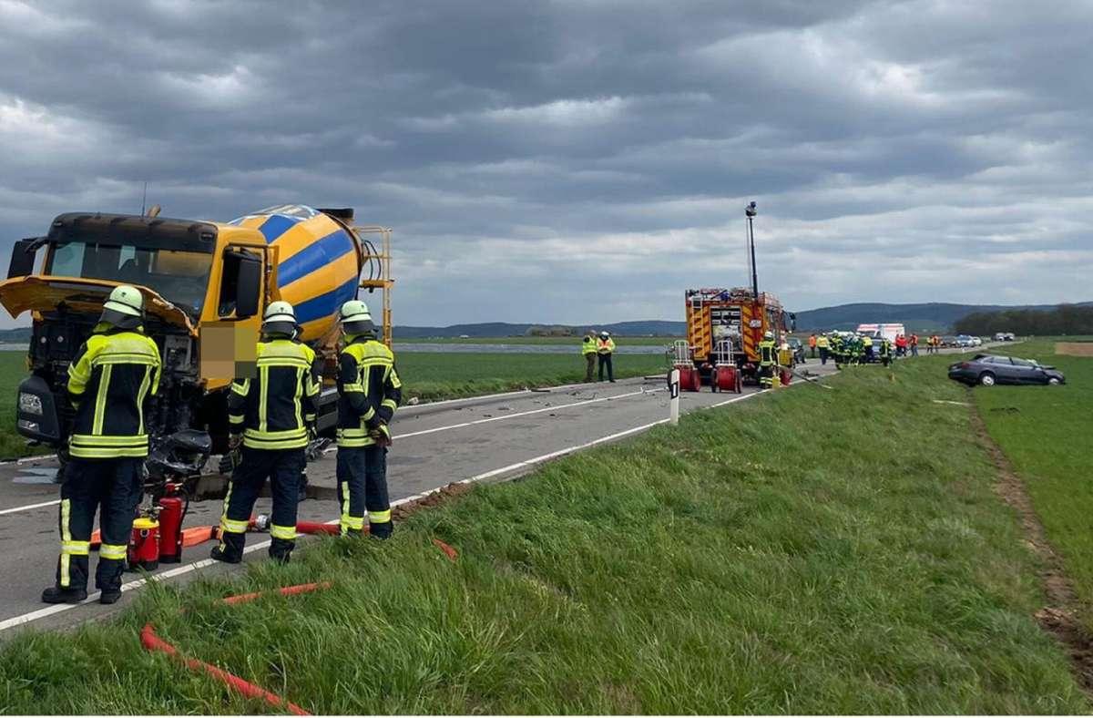Der Autofahrer überlebte den Zusammenstoß nicht. Foto: SDMG/SDMG / Hemmann