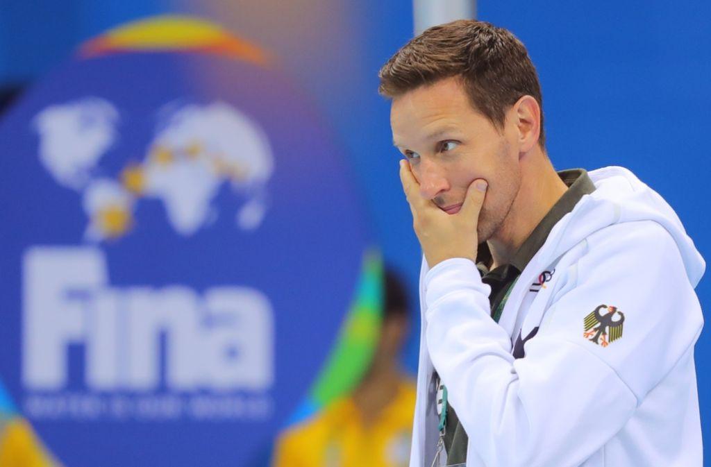 Nachdenklicher Bundestrainer Henning Lambertz: Was hilft gegen die Schwimmer-Krise? Foto: dpa