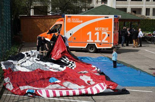 Hüpfburg den Strom abgedreht – 17 Verletzte