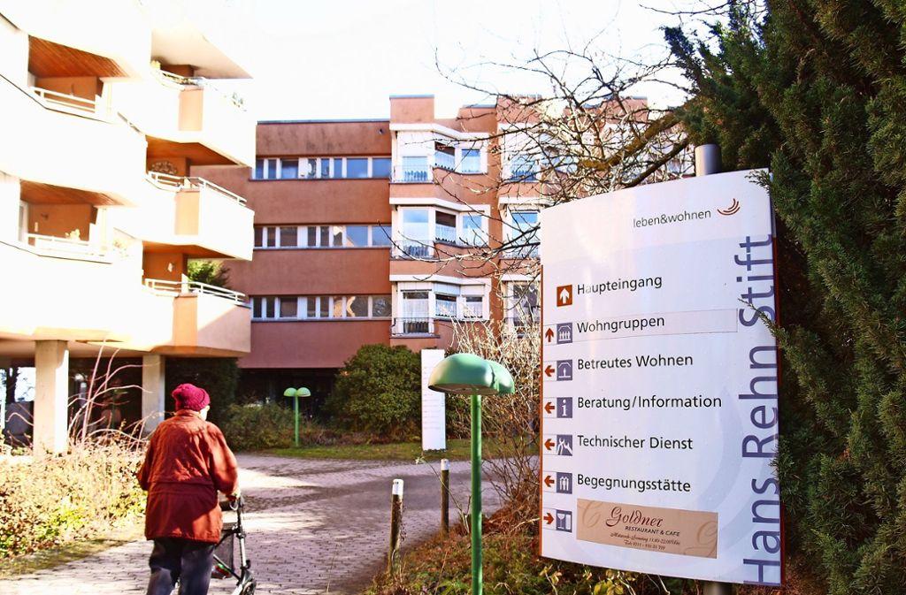 Das 1977 eröffnete Hans-Rehn-Stift soll abgerissen und neu gebaut werden. Einige Mitglieder des Fördervereins kritisieren die Pläne. Foto: Archiv Rüdiger Ott