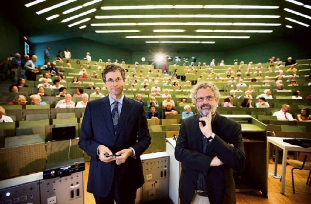 Die Referenten: Andreas Meyer-Lindenberg (links) und Wolfgang Schlicht. Foto: Steinert