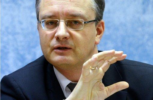 Der neue Minister Andreas Stoch will Endlosdebatten vermeiden. Foto: dpa
