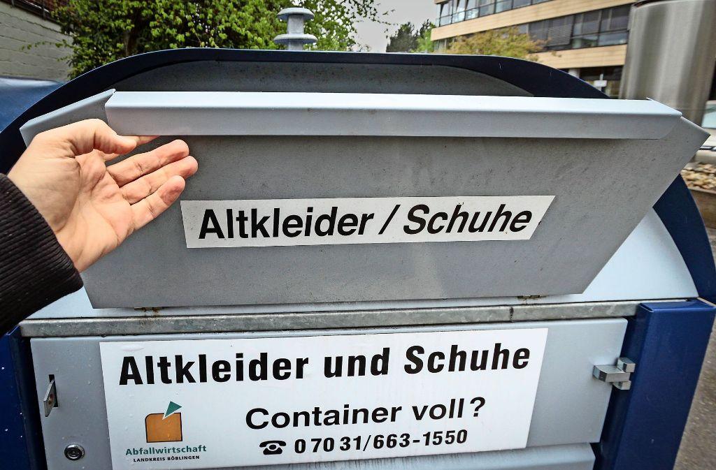 Für niedrige Müllgebühren: Der Landkreis ruft die Bevölkerung zur Nutzung der 300 Container des AWB auf. Foto: factum/Bach