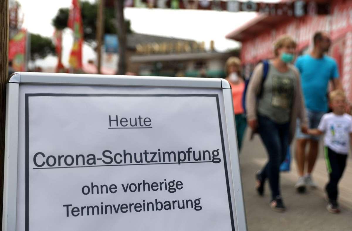 Ab diesem Donnerstag gelten in Baden-Württemberg strengere Corona-Regeln für Ungeimpfte. Foto: dpa/Bernd Wüstneck