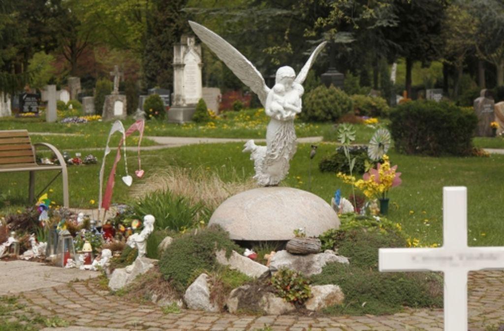 Ein Grab für die Allerkleinsten auf dem Neuen Friedhof Foto: factum/Granville