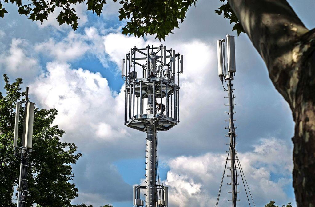 Der Sendemast aus Schleuderbeton soll 25 Meter hoch werden. Foto: Lichtgut/Max Kovalenko
