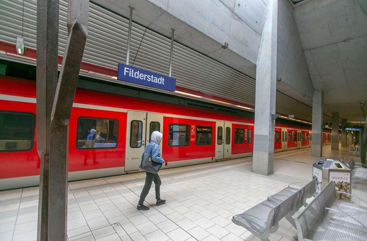 Hält die S-Bahn künftig öfter in Filderstadt? Foto: Roberto Bulgrin