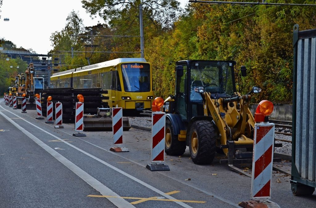 Die Baustelle ist bereits eingerichtet. Für die Autofahrer gibt es aber kaum Beeinträchtigungen. Foto: Wiebke Wetschera