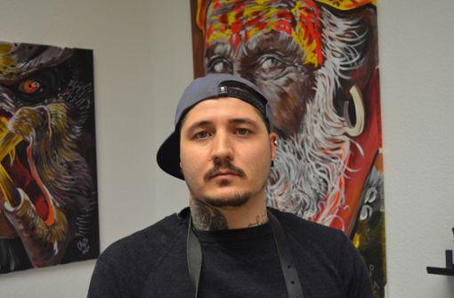 Tätowierer aus Nellingen hat im Acryl-Malen eine neue Passion gefunden