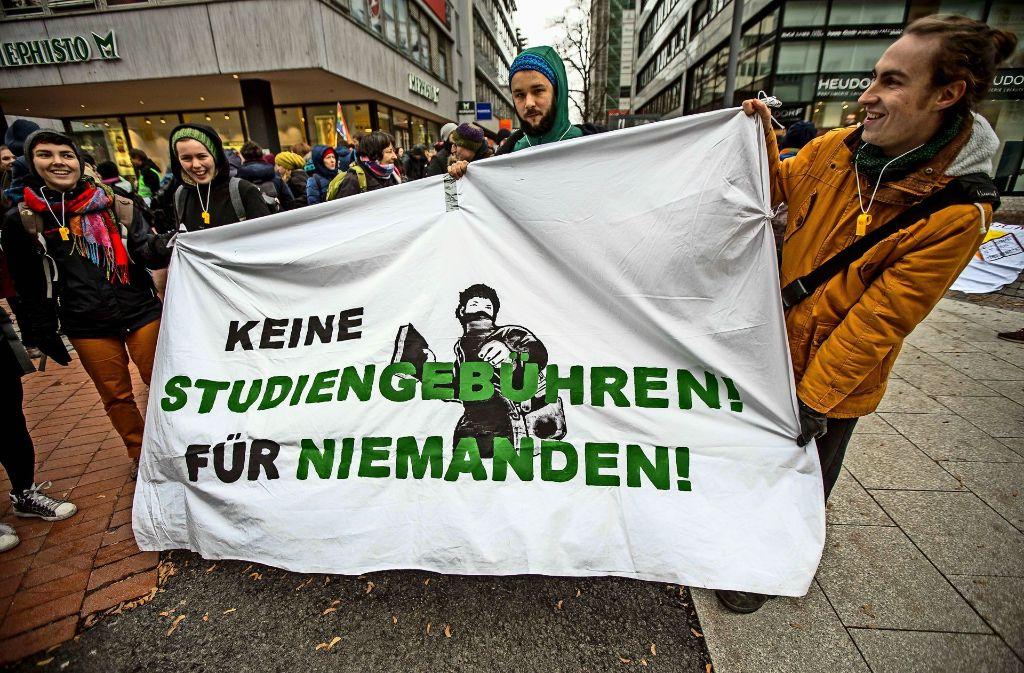 Trotz klirrender Kälte sind zahlreiche Studenten für ihre Ziele auf die Straße gegangen. Foto: Lichtgut/Leif Piechowski