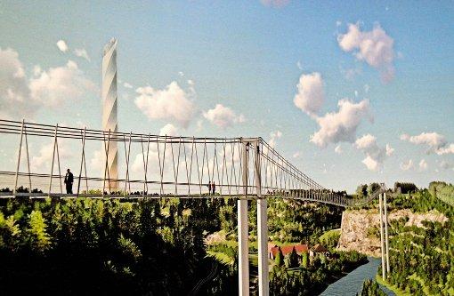 Brückenschlag zum Aufzugturm